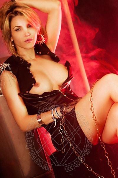 Lady Amanda Oliver  COMO 3889946874